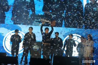 Invictus Gaming Berhasil Melaju Ke Turnamen ESL One Frankfurt 2015!